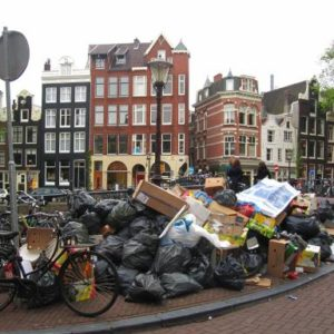 Amsterdam, dirty old town ?